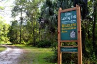 Entrance from NE 98th Street just before Gore's Landing in Fort McCoy, Florida